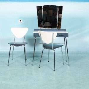 Vintage sixties kaptafel met bijpassende stoel, Rawi retro Bij de Tijd: vintage & designmeubelen