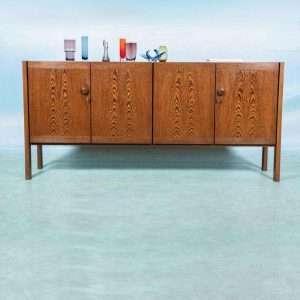 Vintage Brutalist dressoir jaren 60/70, Wengé lage wandkast Bij de Tijd: vintage & designmeubelen